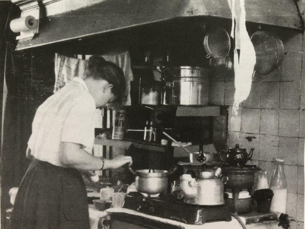 Maaike in eerste keuken